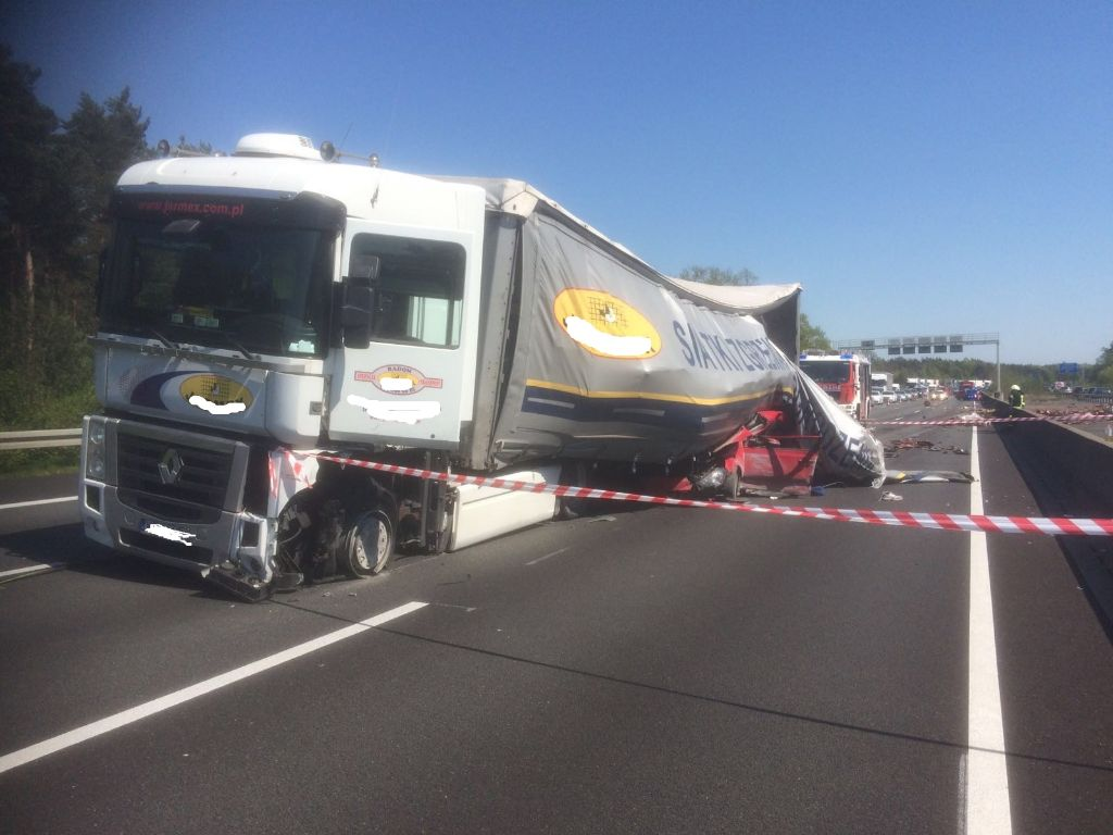 07.05.2016 – Schwerer Verkehrsunfall auf der A2 bei Helmstedt ...