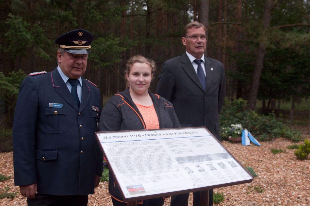 v.l.: ehe. AL Süd Volkhard Weber, Tjadina Heuer, Ordnungsamtleiter Ralf Heuer